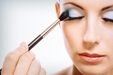 Maquiagem-Com-Linda-Sombra-Azul